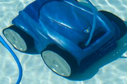 Quel robot automatique choisir pour nettoyer sa piscine de jardin ?