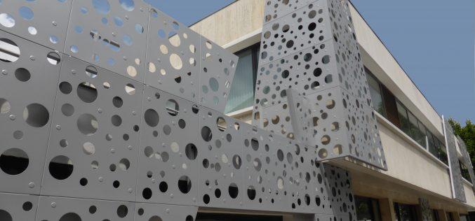 Matériaux de construction : zoom sur la tôle perforée
