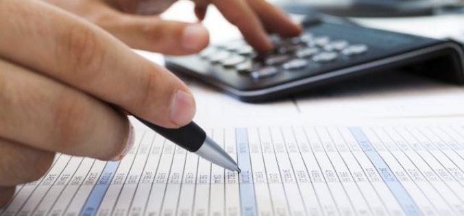Quelle solution choisir : renégociation ou rachat de crédit ?