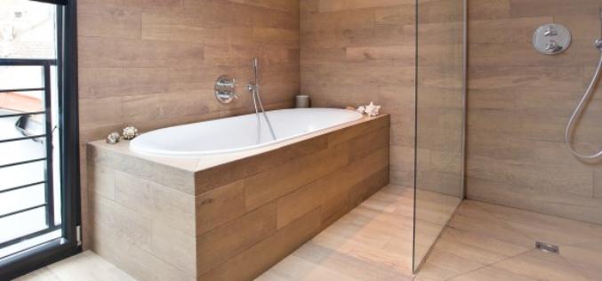 Salle de bains en bois : inventive et design