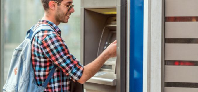 Comment effectuer un retrait d'argent à l'étranger gratuitement ?